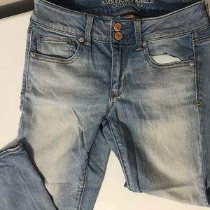 American Eagle Capri Crop Jeans Light Wash